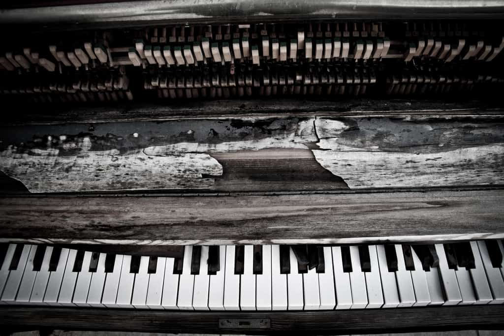 Like a broken piano